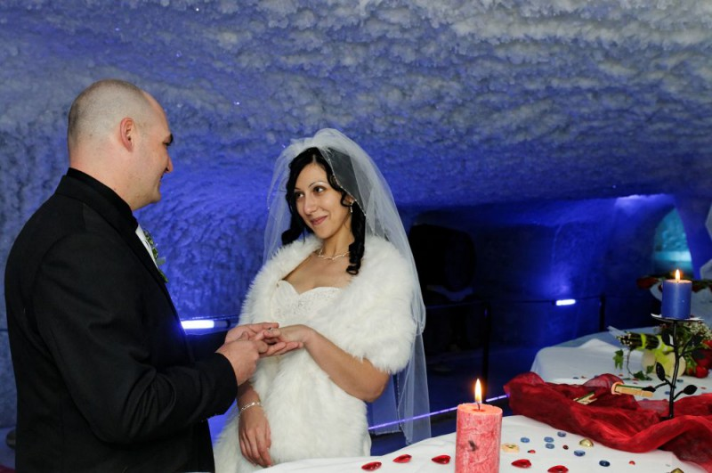 Ice caves to celebrate your wedding for the bride and groom