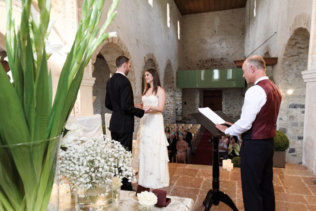 castle elopement photographer Spiez