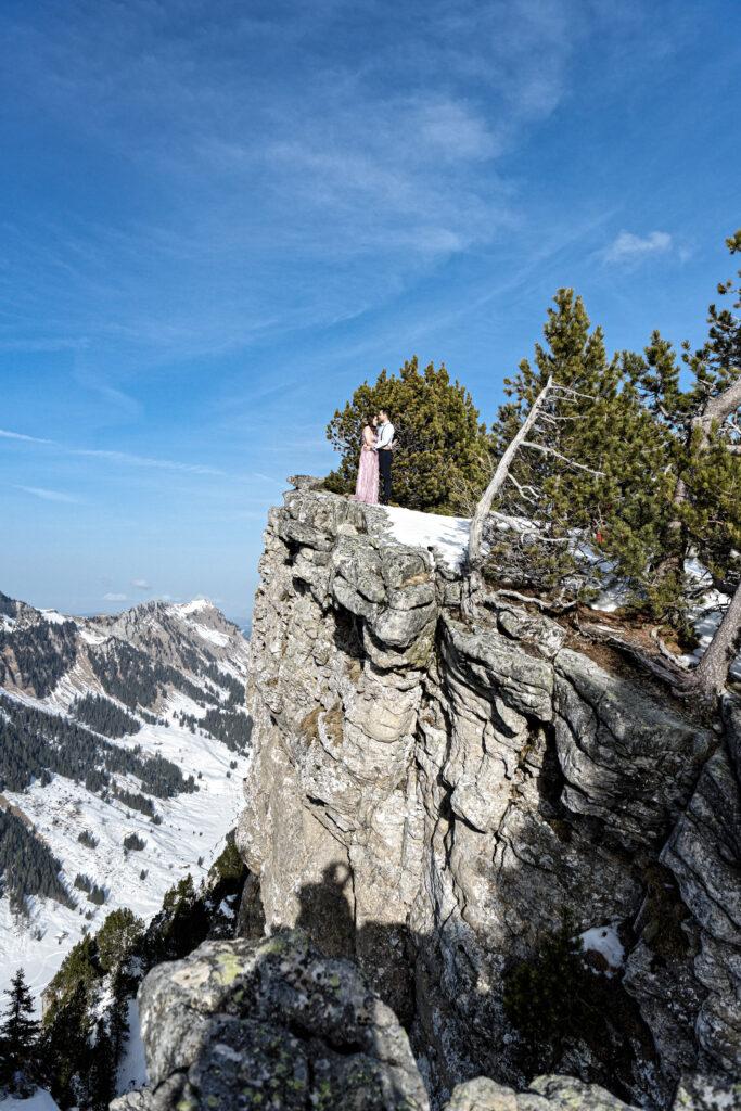 Elope in Switzerland planner and photographer